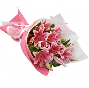 ​12 Pink Lilies in a Beautiful Bouquet Send To Angeles City Philippines